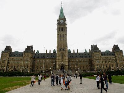 Канадским военным не рекомендовано носить форму публично