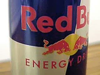 энергетический напиток RED BULL.