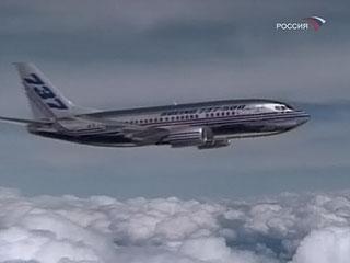 """Из-за пожара в двигателе экипажу """"Боинга"""" пришлось сажать самолет"""