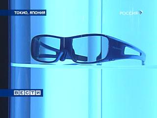 Японцы изобрели первые в мире очки-переводчик
