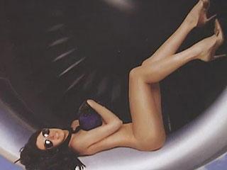 Оставшиеся без работы мексиканские стюардессы выпустили эротический календарь на 2011 год.
