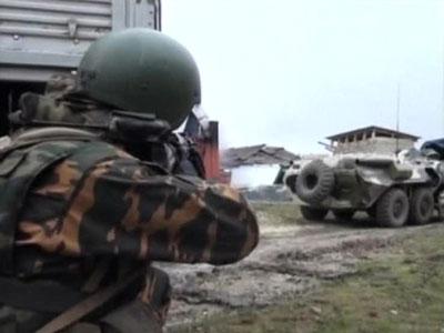 Двое военнослужащих погибли при обстреле колонны в Ингушетии