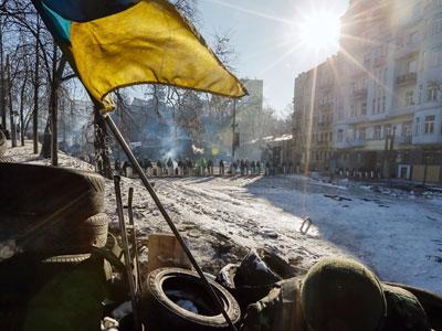 Один из лидеров Евромайдана пешком сбежал в Лондон
