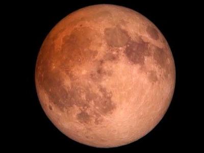 Кровавая Луна выходит на орбиту: полное затмение увидят над Сибирью