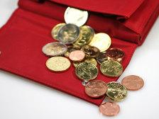 Юнкер хочет ввести евро во всех странах ЕС