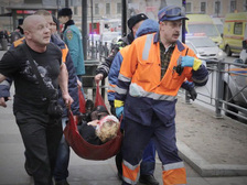 Питер спешит на помощь: трагедия в метро сплотила горожан