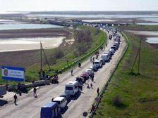 Пробка в Крым: украинцы голосуют за Россию колесами и кошельком
