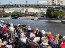 За три дня мощам Николая Угодника поклонились 50 тысяч человек