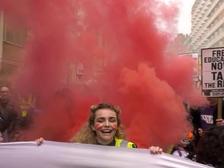 Британские студенты провели акцию протеста