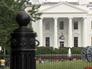 Пикачу пытался перепрыгнуть через ограду Белого Дома