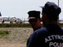 Заложники самолета EgyptAir опубликовали селфи с борта