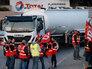 Французские дальнобойщики протестуют против реформы труда